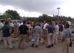 Pemex deja sin trabajo a transitorios y bloquea las plazas
